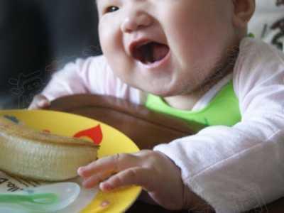 婴儿辅食的添加 怎样给宝贝添加第一口辅食