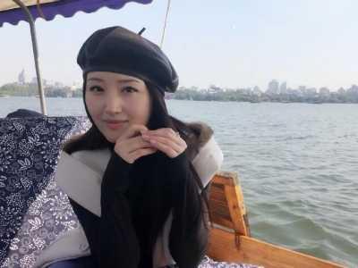 杨钰莹结婚了吗 被传和鲍国安的儿子结婚真相